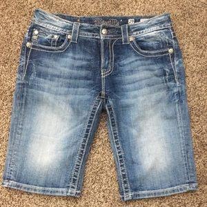 """Cute """"Miss Me"""" Bermuda shorts"""